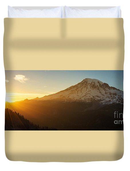Mount Rainier Evening Light Rays Duvet Cover