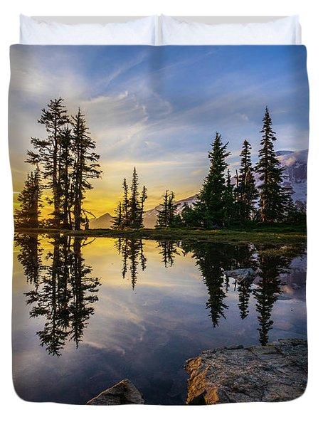Mount Rainier Photography Golden Light Tarn Duvet Cover