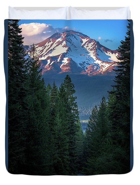Mount Shasta - A Roadside View Duvet Cover