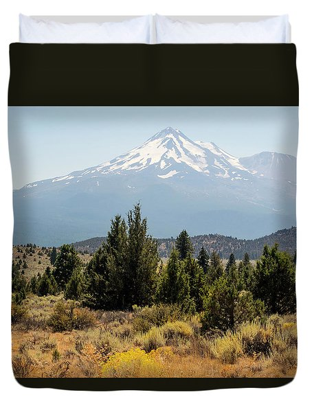Duvet Cover featuring the photograph Mount Shasta And Shastina by Frank Wilson