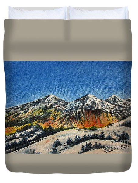 Mountain-5 Duvet Cover