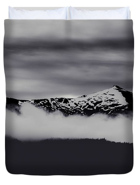 Mountain Contrast Duvet Cover