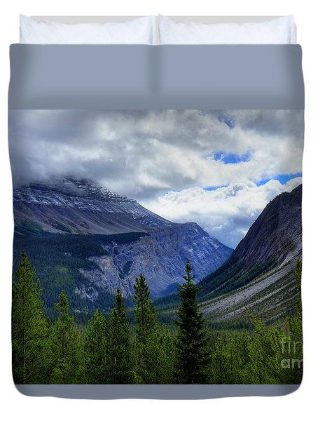 Mountain Ranges South Of Jasper Duvet Cover