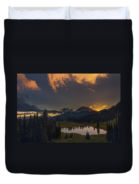 Mountain Show Duvet Cover