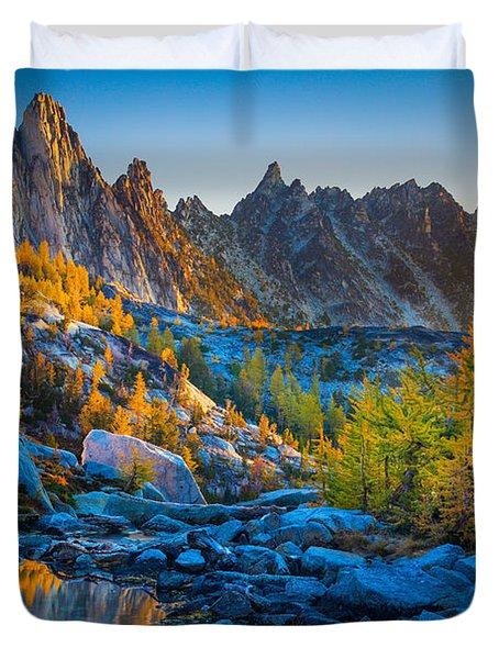 Mountainous Paradise Duvet Cover