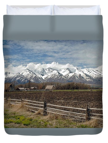 Mountains In Logan Utah Duvet Cover