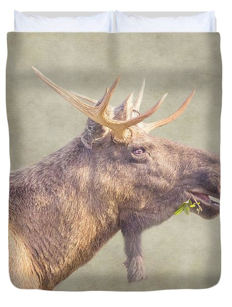 Duvet Cover featuring the photograph Mr Moose by Roy McPeak
