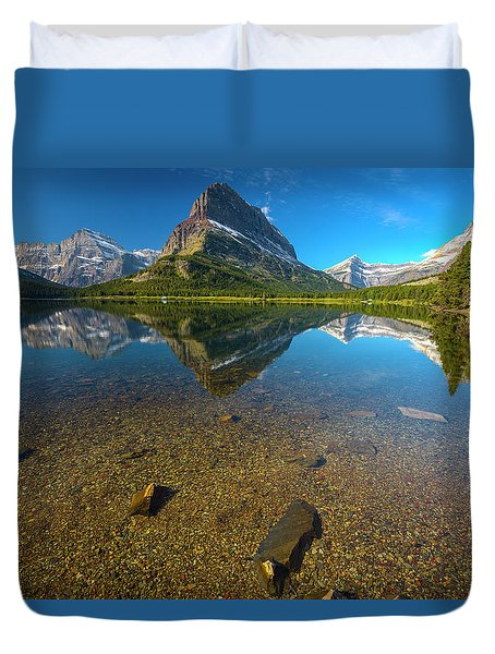 Duvet Cover featuring the photograph Mt. Grinnell by Gary Lengyel