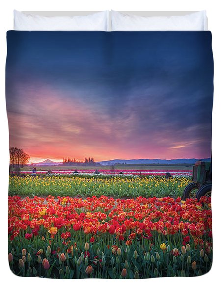 Duvet Cover featuring the photograph Mt. Hood And Tulip Field At Dawn by William Lee