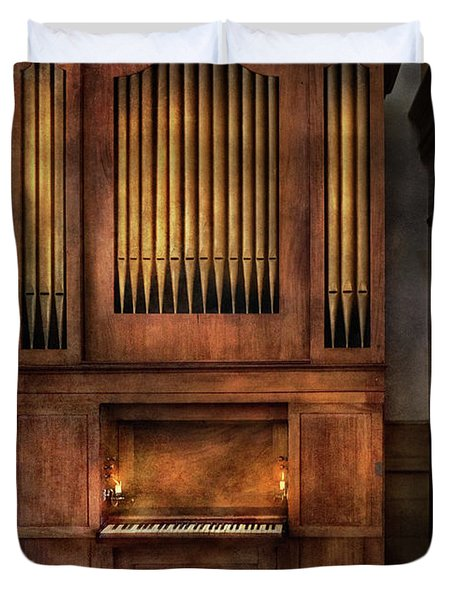 Music - Organist - What A Big Organ You Have  Duvet Cover by Mike Savad