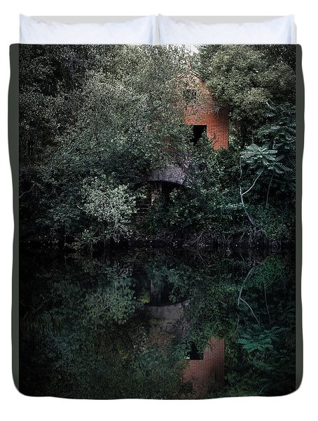 Duvet Cover featuring the photograph Myself In The Water by Edgar Laureano