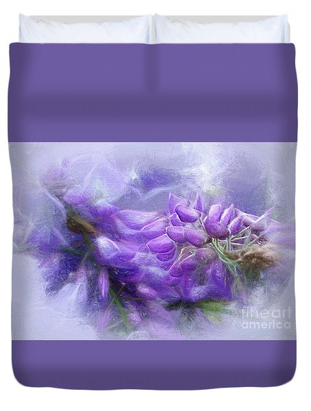 Duvet Cover featuring the photograph Mystical Wisteria By Kaye Menner by Kaye Menner