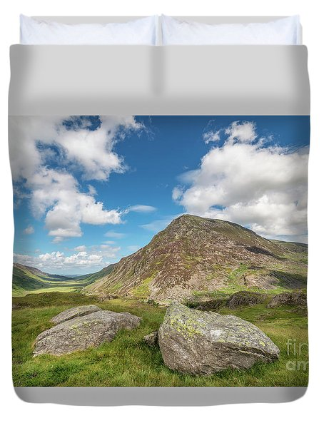 Duvet Cover featuring the photograph Nant Ffrancon Valley, Snowdonia by Adrian Evans
