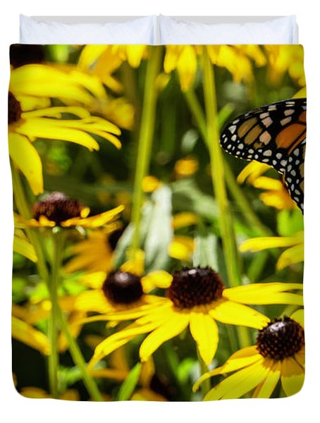 Monarch Butterfly On Yellow Flowers Duvet Cover