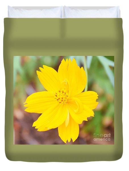 Duvet Cover featuring the photograph Nature Colorful Flower Gifts - Yellow by Ray Shrewsberry