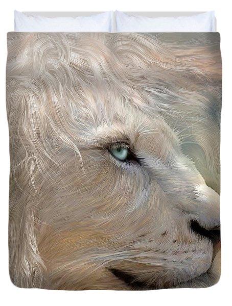 Nature's King Portrait Duvet Cover
