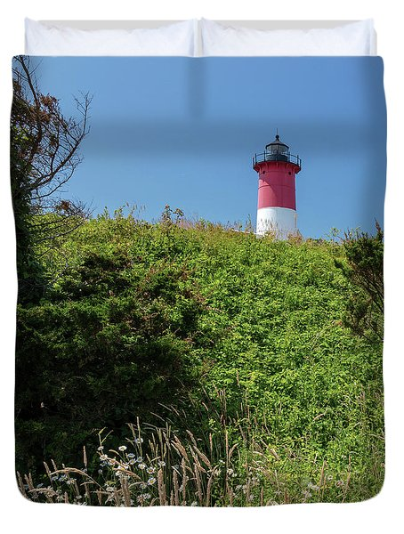 Nauset Lighthouse With Daisies Cape Cod Duvet Cover