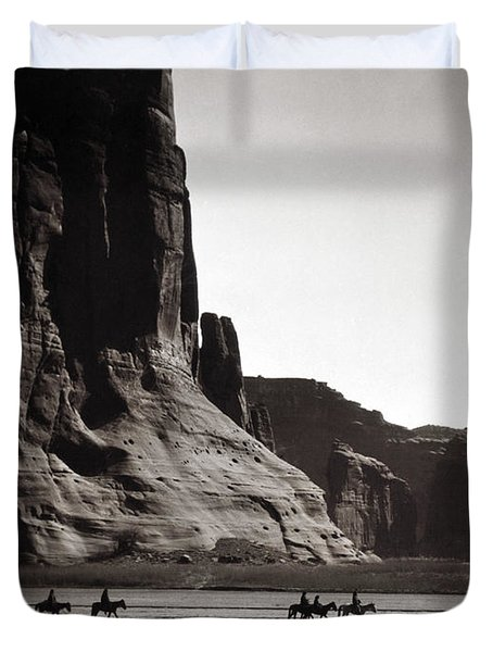 Navajos Canyon De Chelly, 1904 - To License For Professional Use Visit Granger.com Duvet Cover