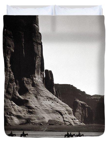 Navajos Canyon De Chelly, 1904 Duvet Cover