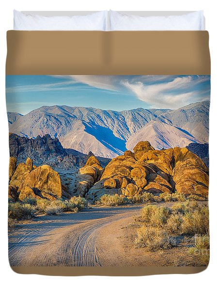 Near Sunset In The Alabama Hills Duvet Cover