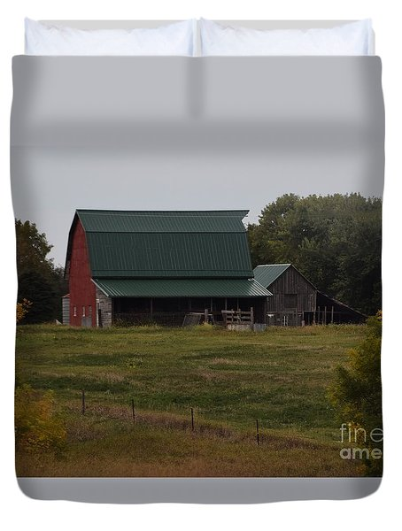Duvet Cover featuring the photograph Nebraska Barn by Mark McReynolds