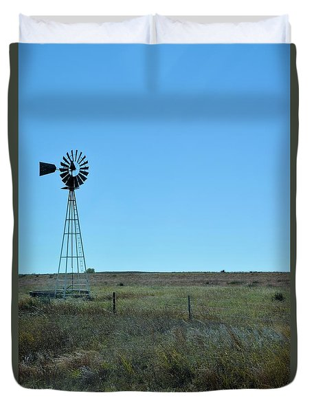 Duvet Cover featuring the photograph Nebraska Windmill by Mark McReynolds