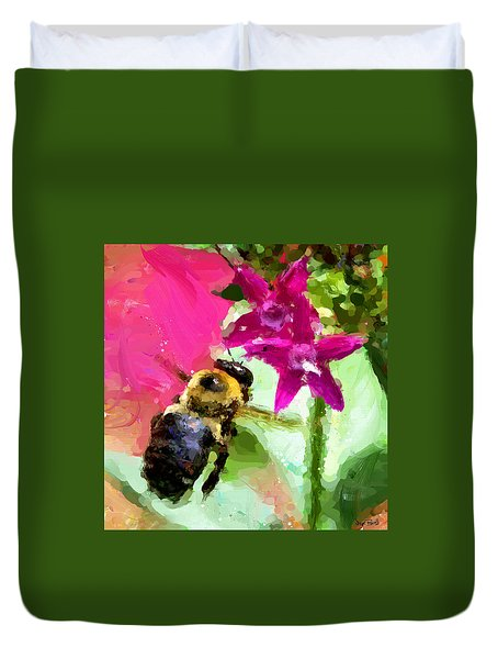 Duvet Cover featuring the painting Nectar Hunter by Wayne Pascall