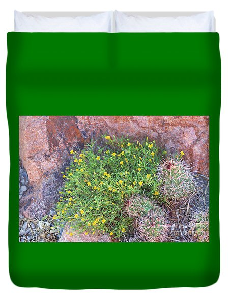 Duvet Cover featuring the photograph Nevada Yellow Wildflower by Linda Phelps