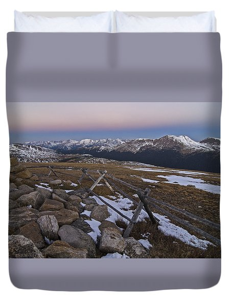 Duvet Cover featuring the photograph Never Summer Range by Gary Lengyel