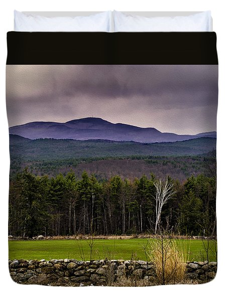 Duvet Cover featuring the photograph New England Spring In Oil by Mark Myhaver