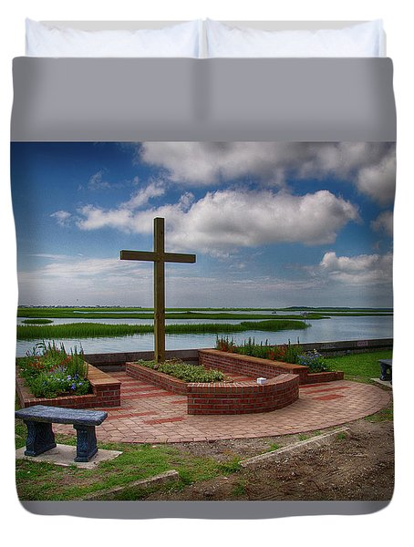 New Garden Cross At Belin Umc Duvet Cover by Bill Barber