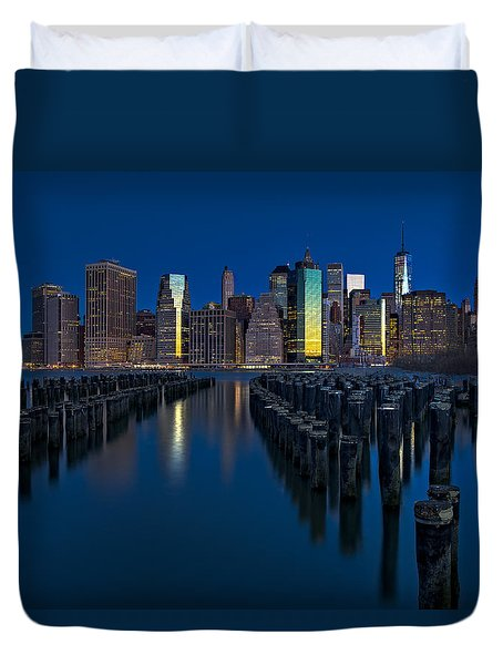 New York City Moonset Duvet Cover by Susan Candelario