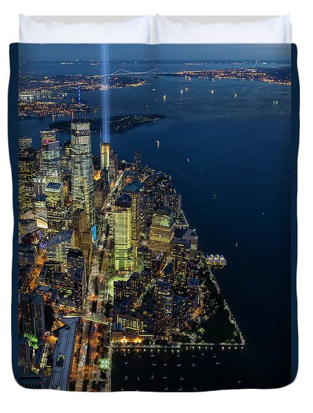 Duvet Cover featuring the photograph New York City Remembers 911 by Susan Candelario