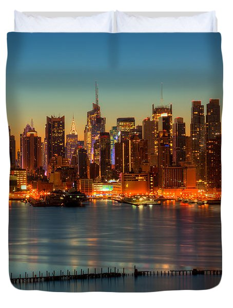 New York City Skyline Morning Twilight V Duvet Cover by Clarence Holmes