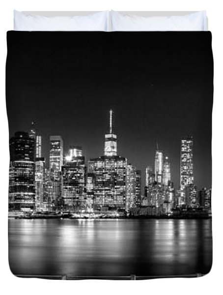 New York City Skyline Panorama At Night Bw Duvet Cover