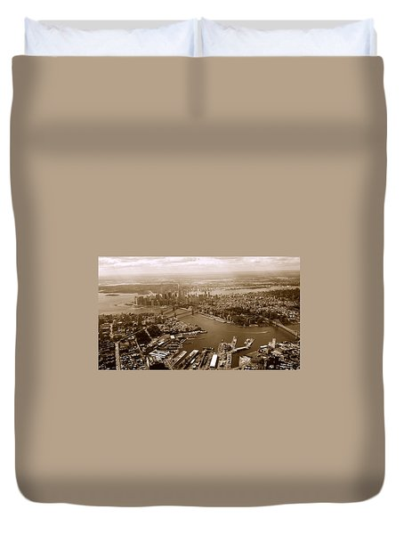 Duvet Cover featuring the photograph New York Skyline by Chris Fraser