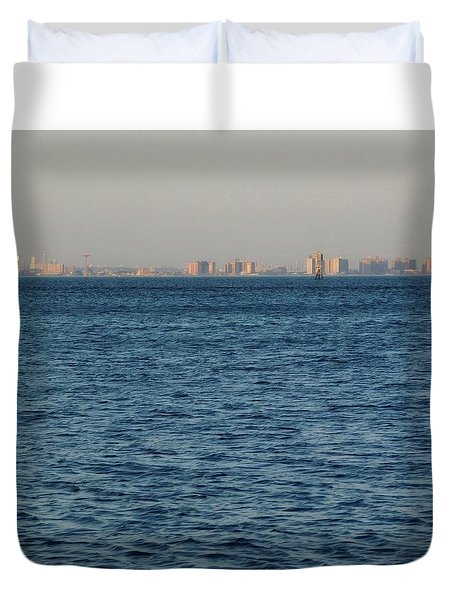 Duvet Cover featuring the photograph New York Skyline by Robbie Masso