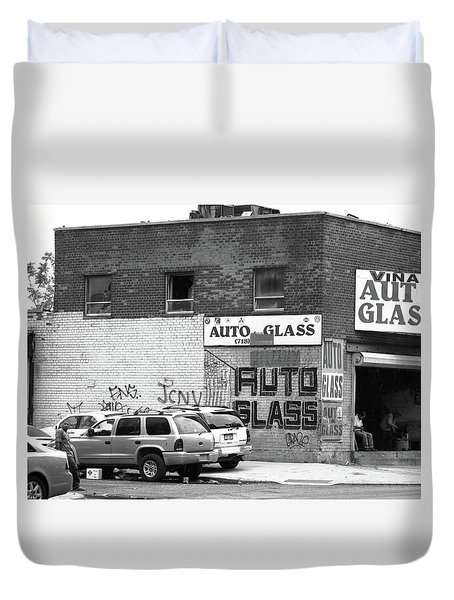 Duvet Cover featuring the photograph New York Street Photography 70 by Frank Romeo