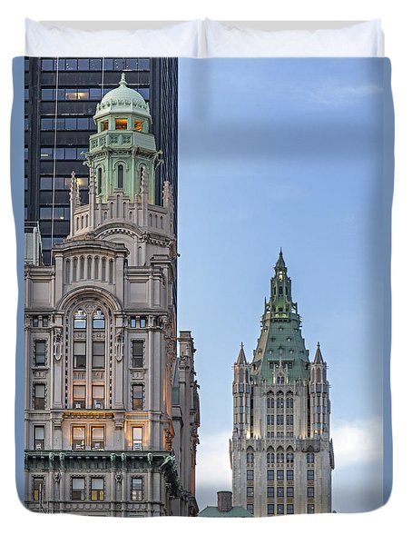 Duvet Cover featuring the photograph New York Woolworth Building  by Juergen Held