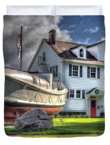 Duvet Cover featuring the photograph Newport Coast Guard Station by Thom Zehrfeld
