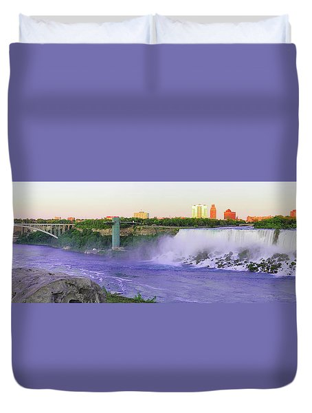 Niagara Falls At Dusk Duvet Cover