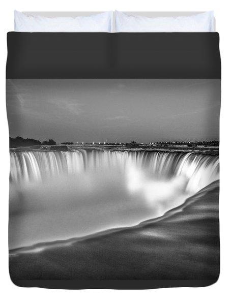 Niagara Falls In Black And White  Duvet Cover