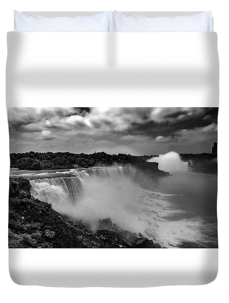 Duvet Cover featuring the photograph Niagra Falls by Jason Moynihan