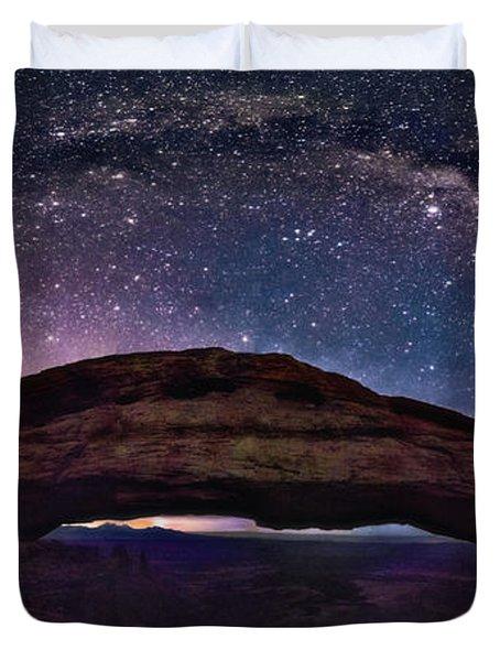 Night Sky Over Mesa Arch Utah Duvet Cover