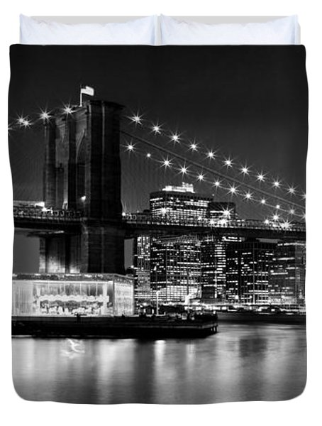 Night Skyline Manhattan Brooklyn Bridge Bw Duvet Cover by Melanie Viola