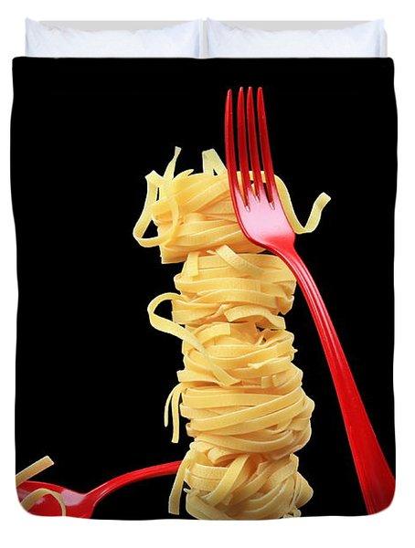Noodles-pasta Duvet Cover by Manfred Lutzius