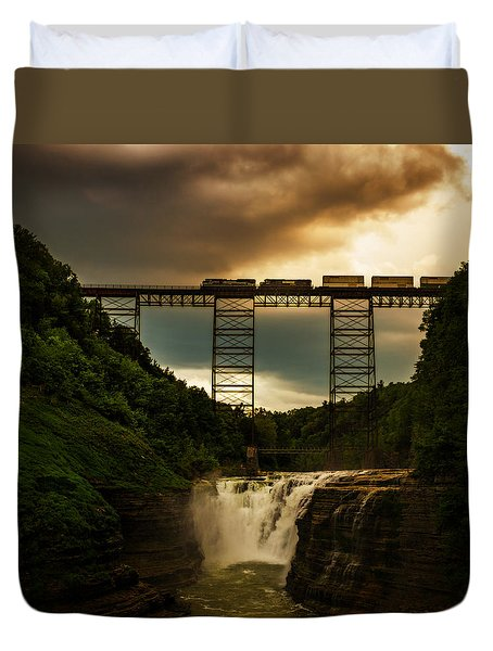 Norfolk Southern Over Letchworth Upper Falls At Dusk Duvet Cover