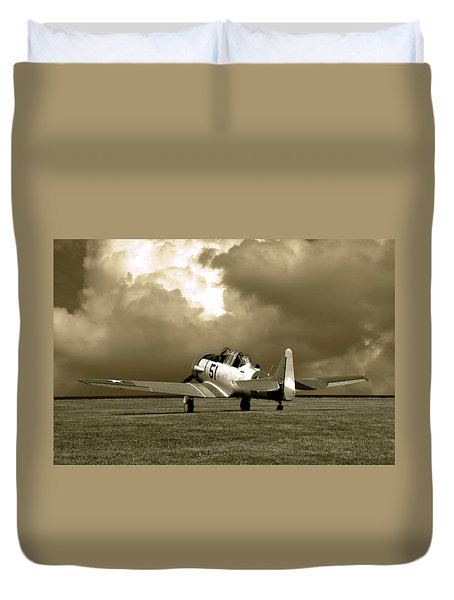 North American T6 Duvet Cover by Tim McCullough