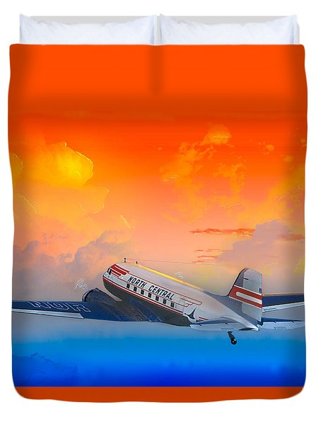 North Central Dc-3 At Sunrise Duvet Cover