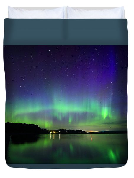 Northern Lights In Maine Duvet Cover